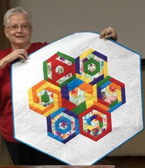Quilt with hexagons