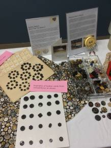 display of buttons