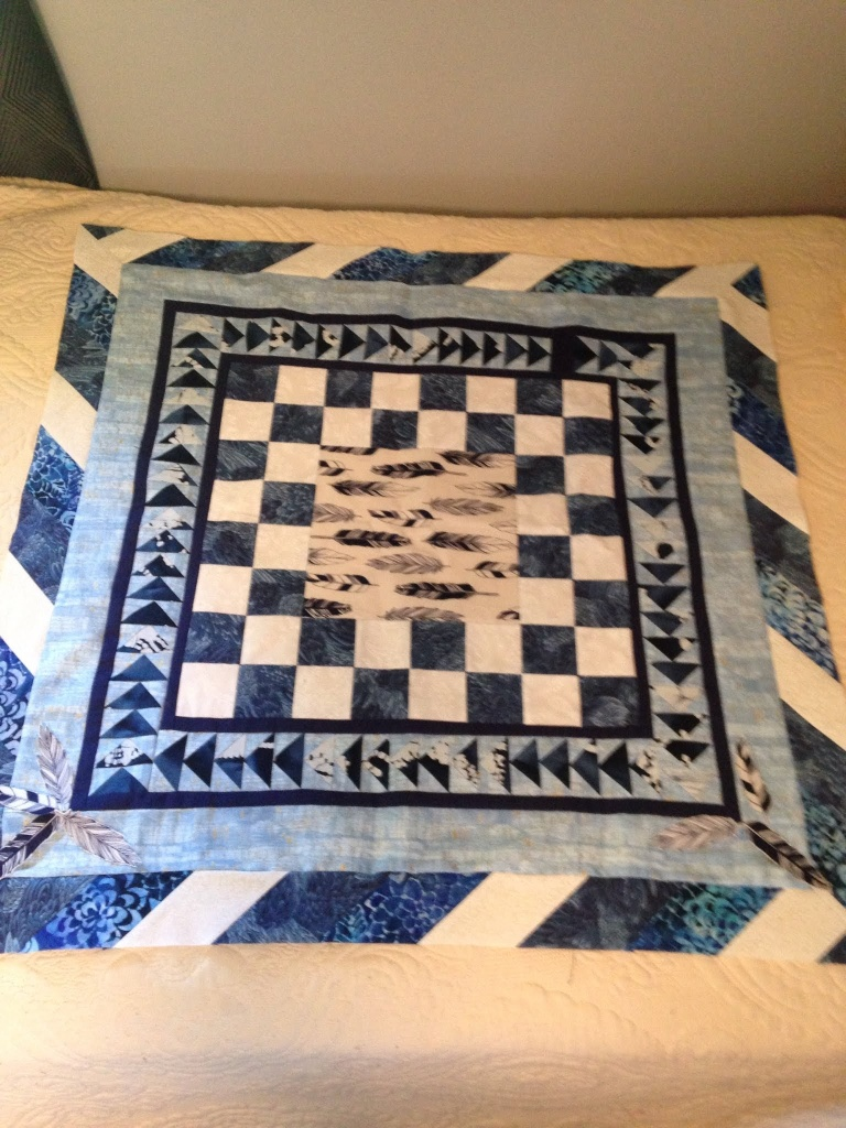 Feathers medallion quilt
